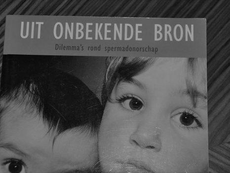"""Boekentip: """"Uit onbekende bron."""" (Mart Roegholt)"""